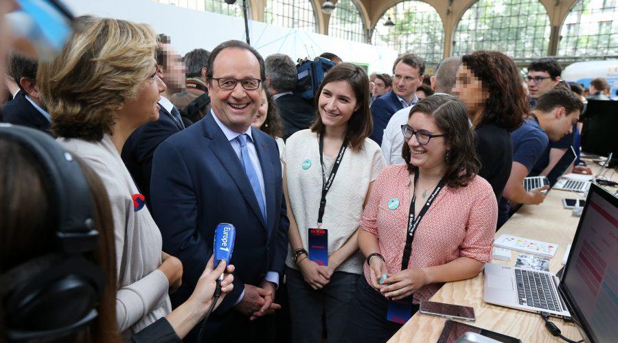 Le Président de la République François Hollande visite le festival Futur en Seine au Carreau du Temple. ©Présidence de la République/F.Lafite
